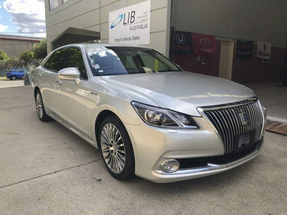 2013 TOYOTA CROWN HYBRID MAJESTA BASE