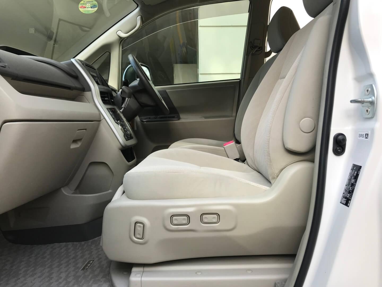2013 Toyota Noah Welcab Side lift up A