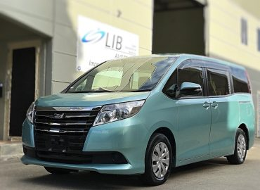 2014 Toyota Noah Welcab X lift up